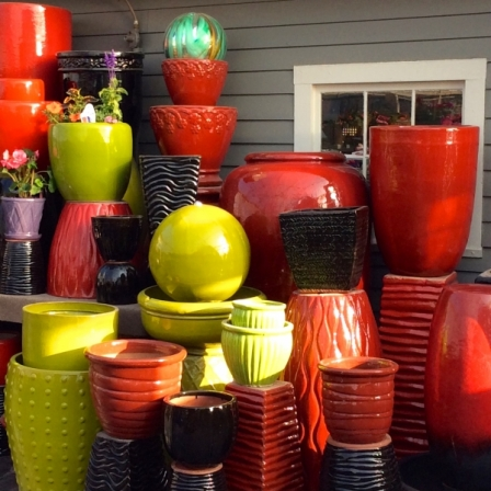 Brightly-colored-pottery-pots